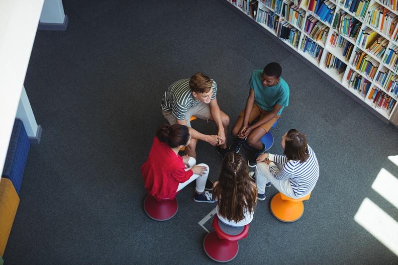 Mengenal Bentuk Bentuk Interaksi Sosial Kelas Pintar