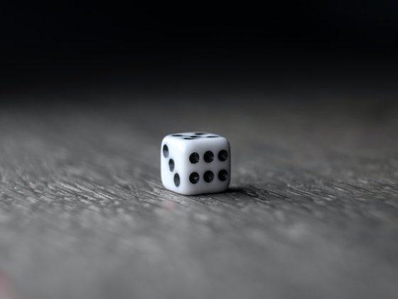menghitung panjang rusuk kubus sebuah dadu