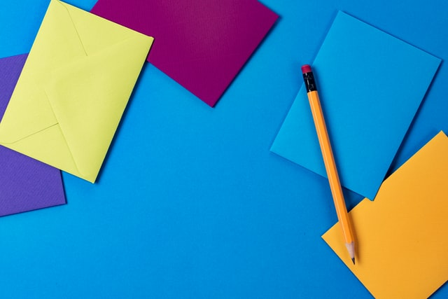 kumpulan kertas warna warni