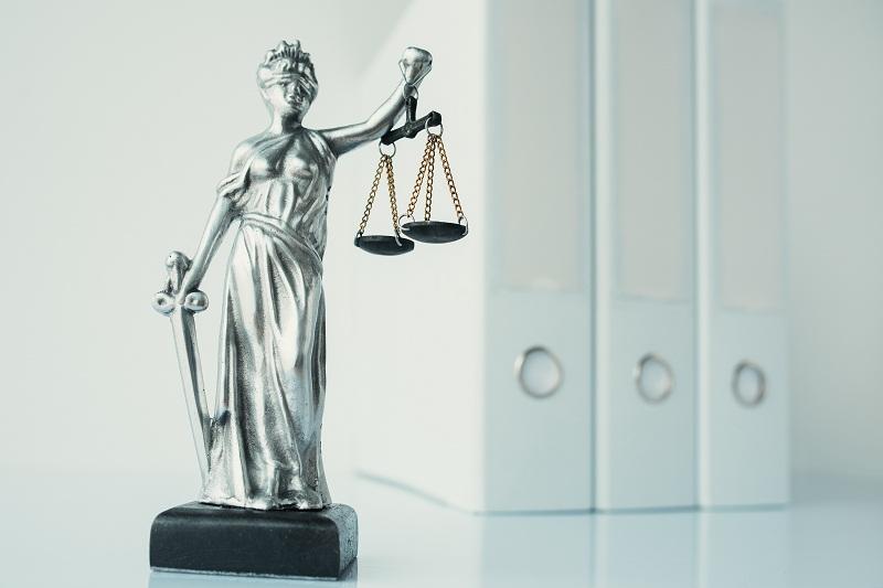 Dalam Menangani Kasus Perbankan, Penegak Hukum Harus Hati-hati